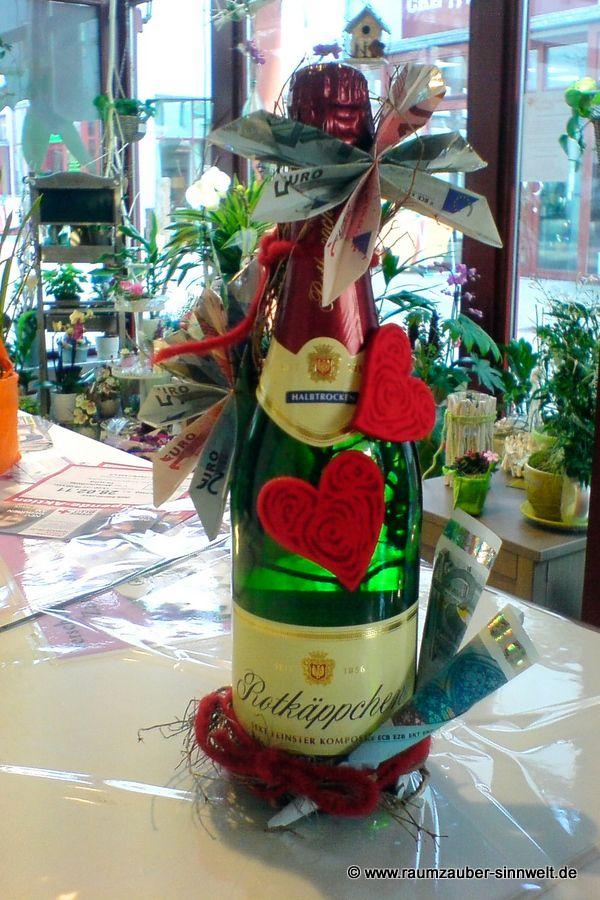 """Sektflasche mit """"Blüten"""""""