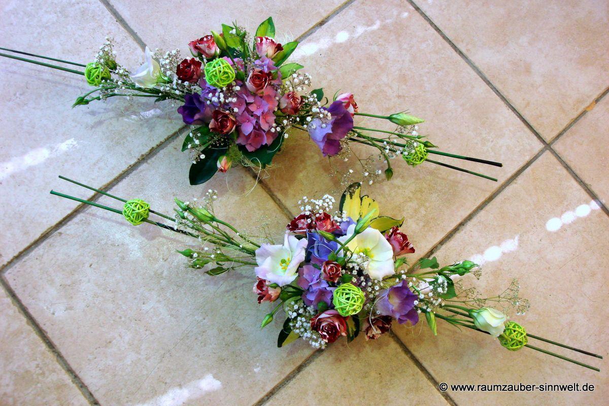Tischdekoration mit Lisianthus, Hortensien und Rosen