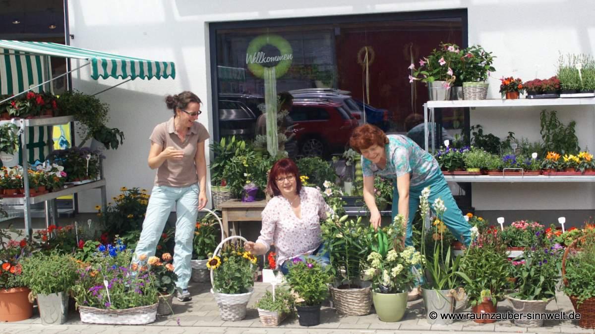 Freude an Blumen und Pflanzen und Spaß bei der Arbeit ...