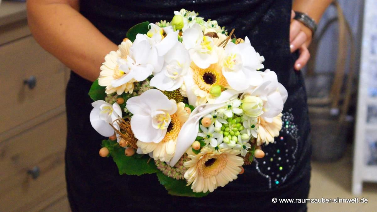 Brautstrauß mit Gerbera, Ornithogalum und Orchideen