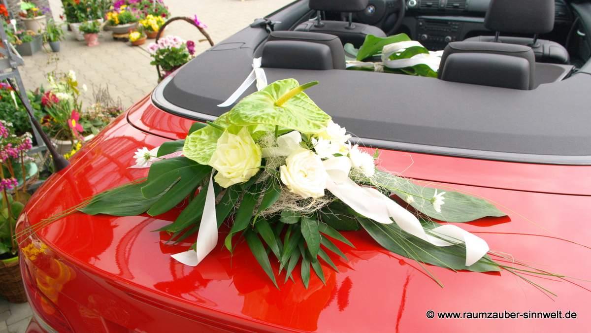 Heckschmuck mit Anthurien und Rosen