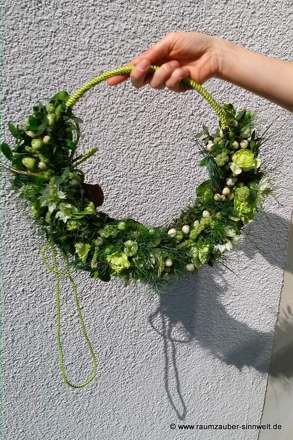 Brautstraußring mit Rosen, Amaranthus und Hypericum