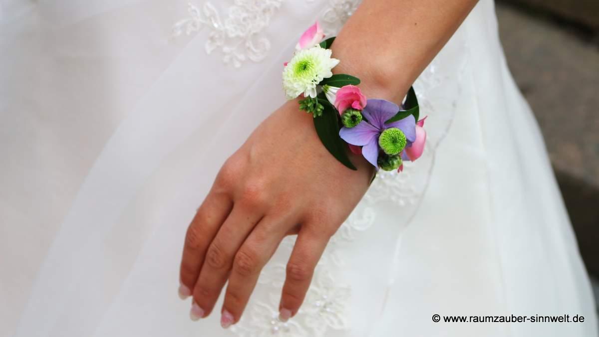 Armband mit Rosen, Santini und Hortensien