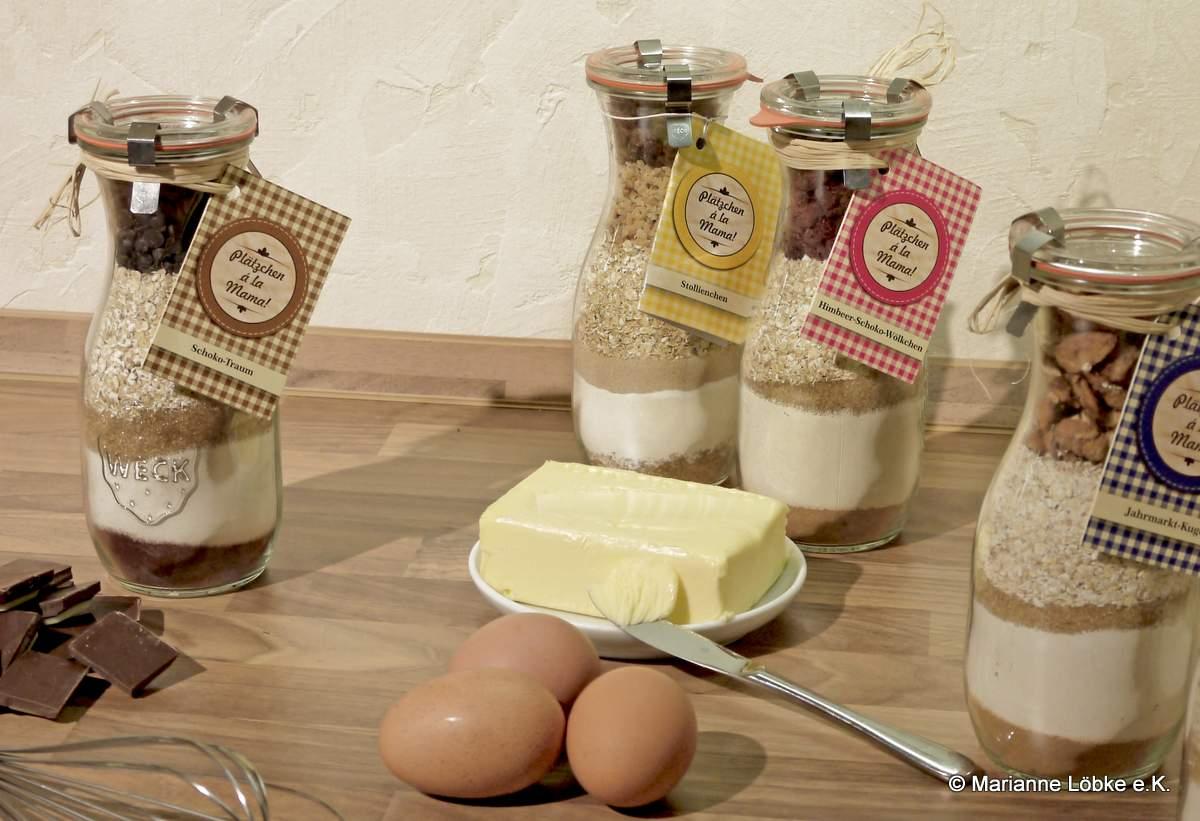 Den Inhalt des Glases einfach mit Butter und Eiern verrühren, ab in den Ofen und fertig sind die Plätzchen a´ la Mama.
