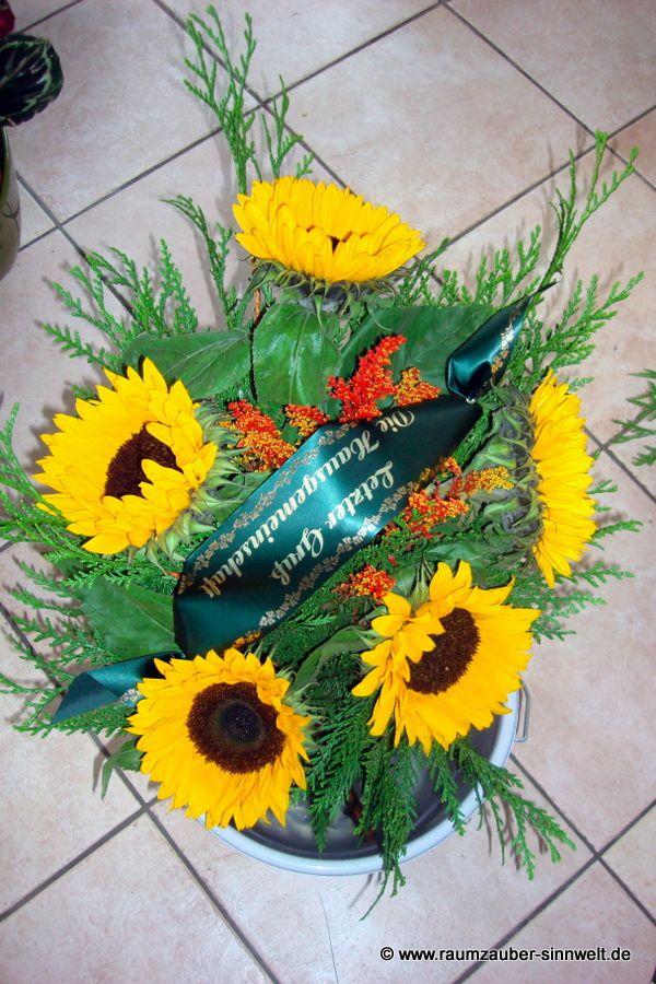 Trauerstrauß mit Sonnenblumen