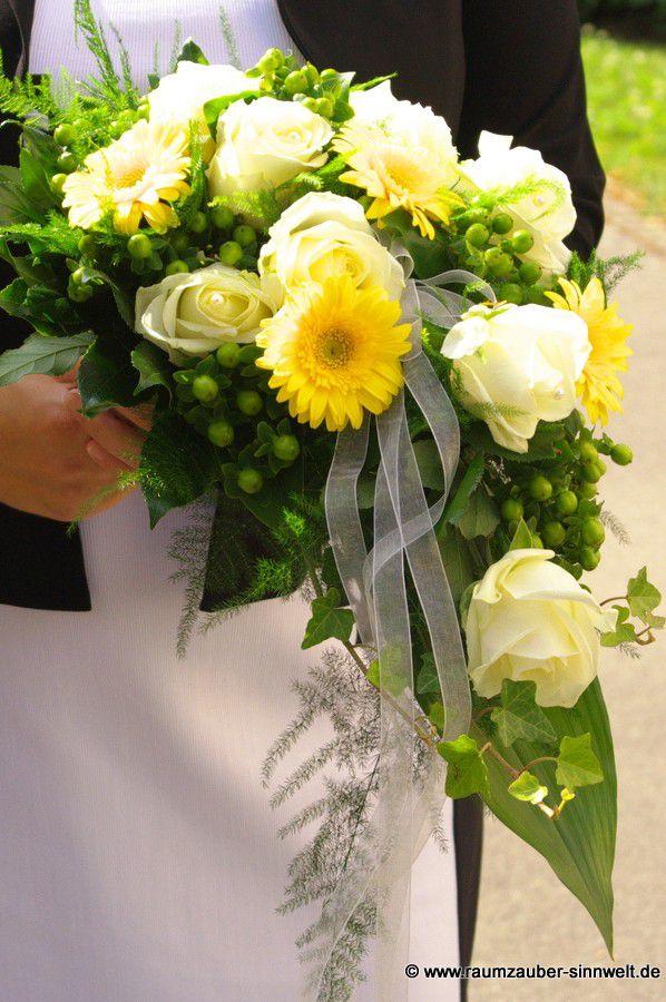 Brautstrauß mit Gerbera, Rosen und Hypericum