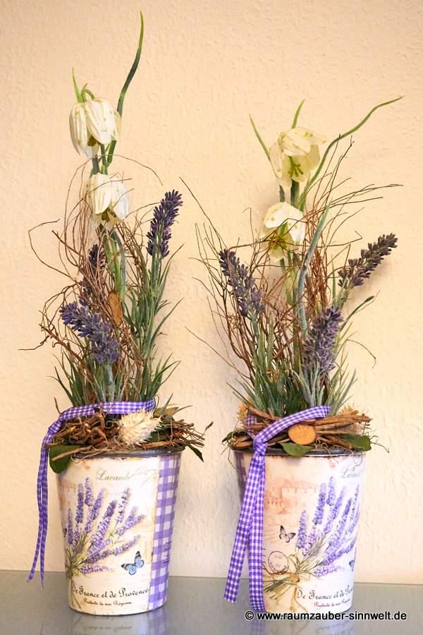 Trockengestecke mit künstlichem Lavendel
