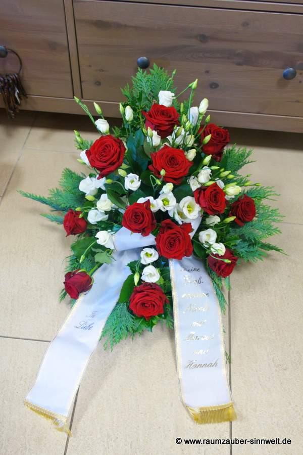 Trauergesteck mit Rosen und Eustoma