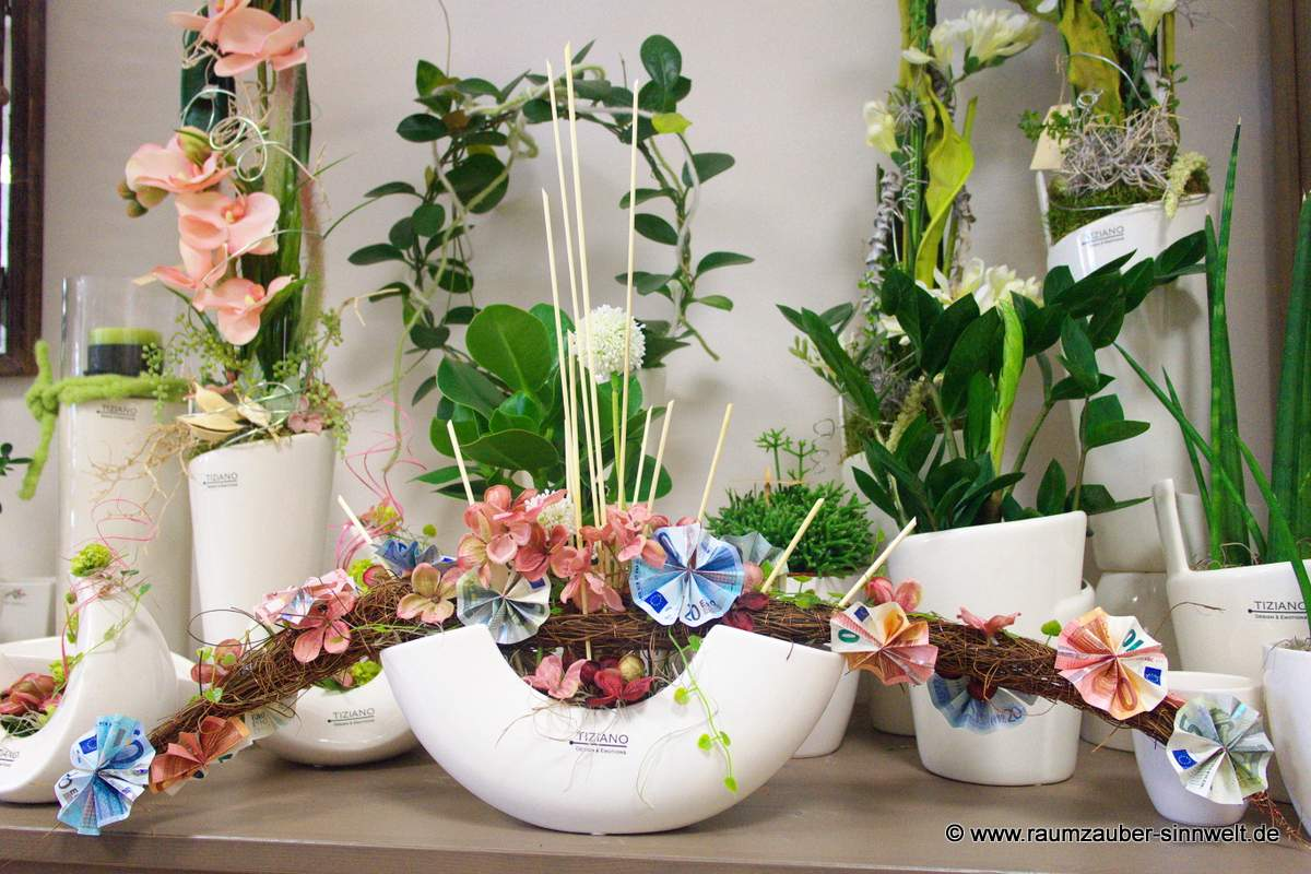 Blüten vom Euro an Trockendekoration in TIZIANO-Keramik