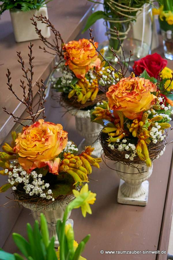 Blumengestecke mit Ranunkel-Rose