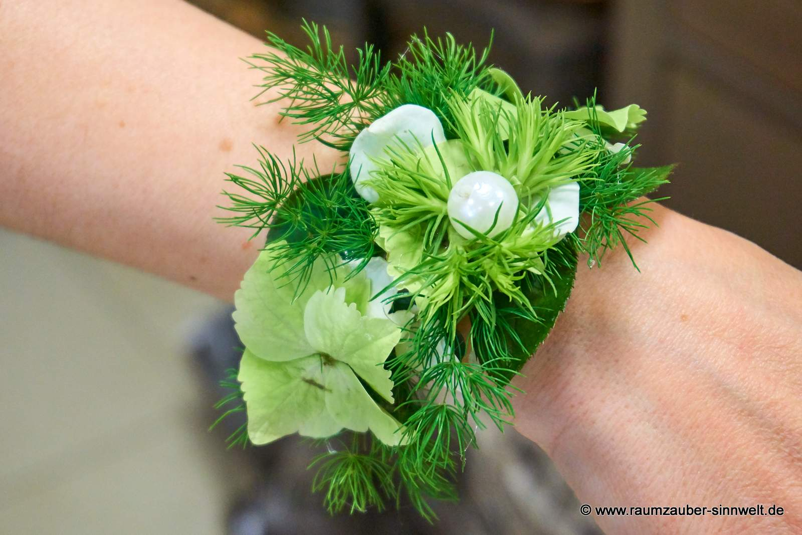 Armband mit Hortensienblüten