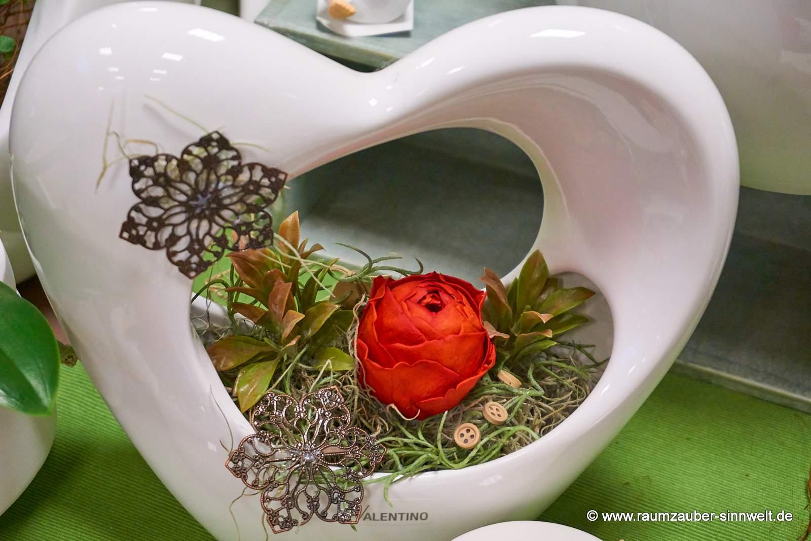 gefriergetrocknete Ranunkel-Rose in TIZIANO-Keramik