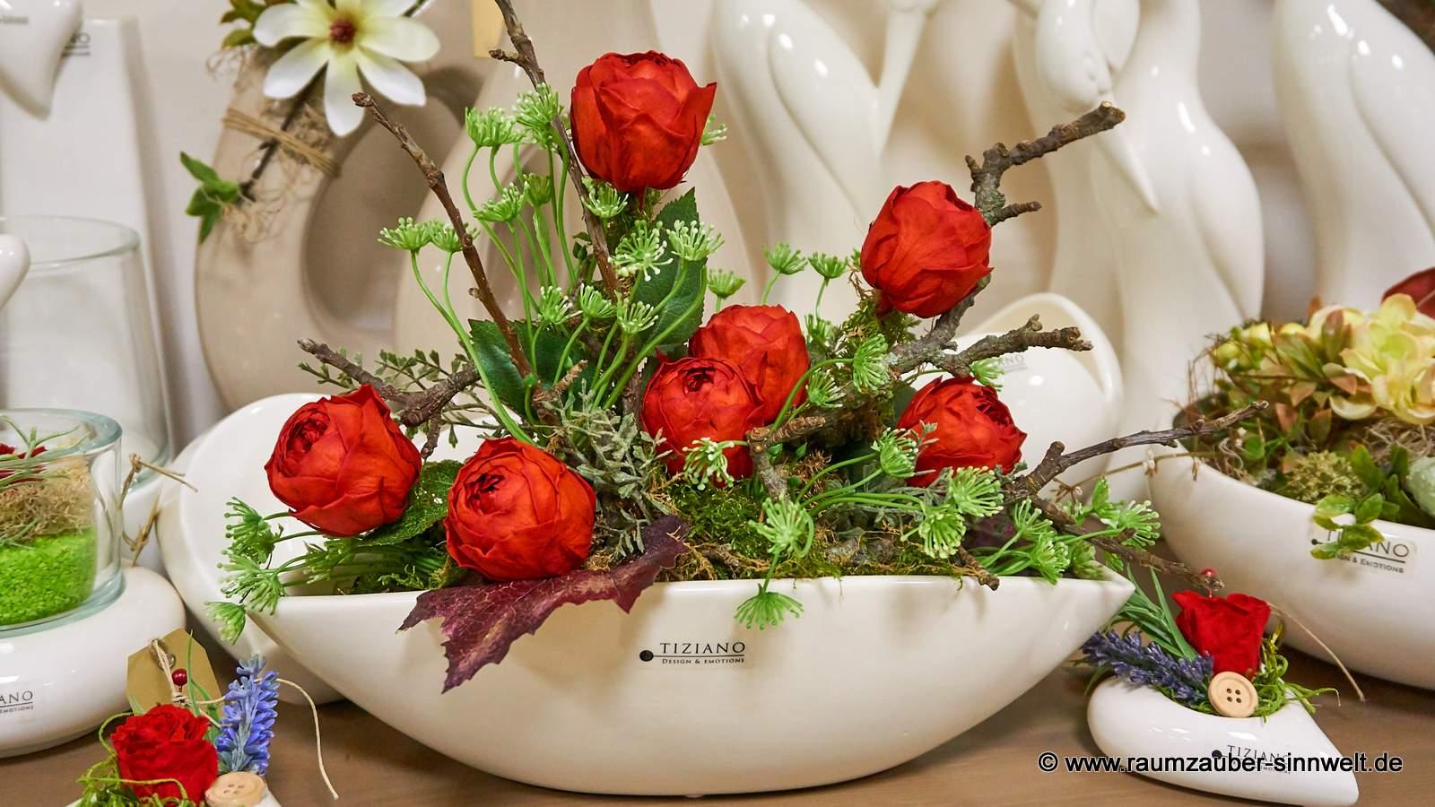 Bouquet aus gefriergetrockneten Ranunkel-Rosen in TIZIANO-Keramik