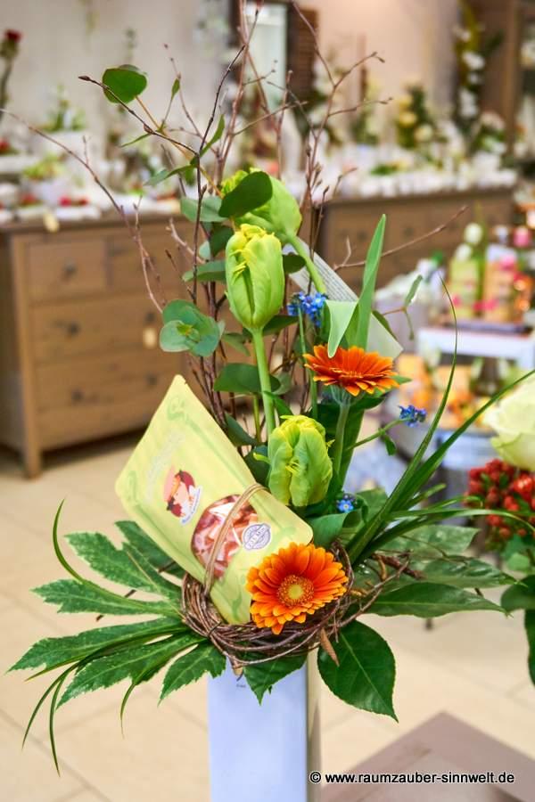 Blumenstrauß mit Bonbons
