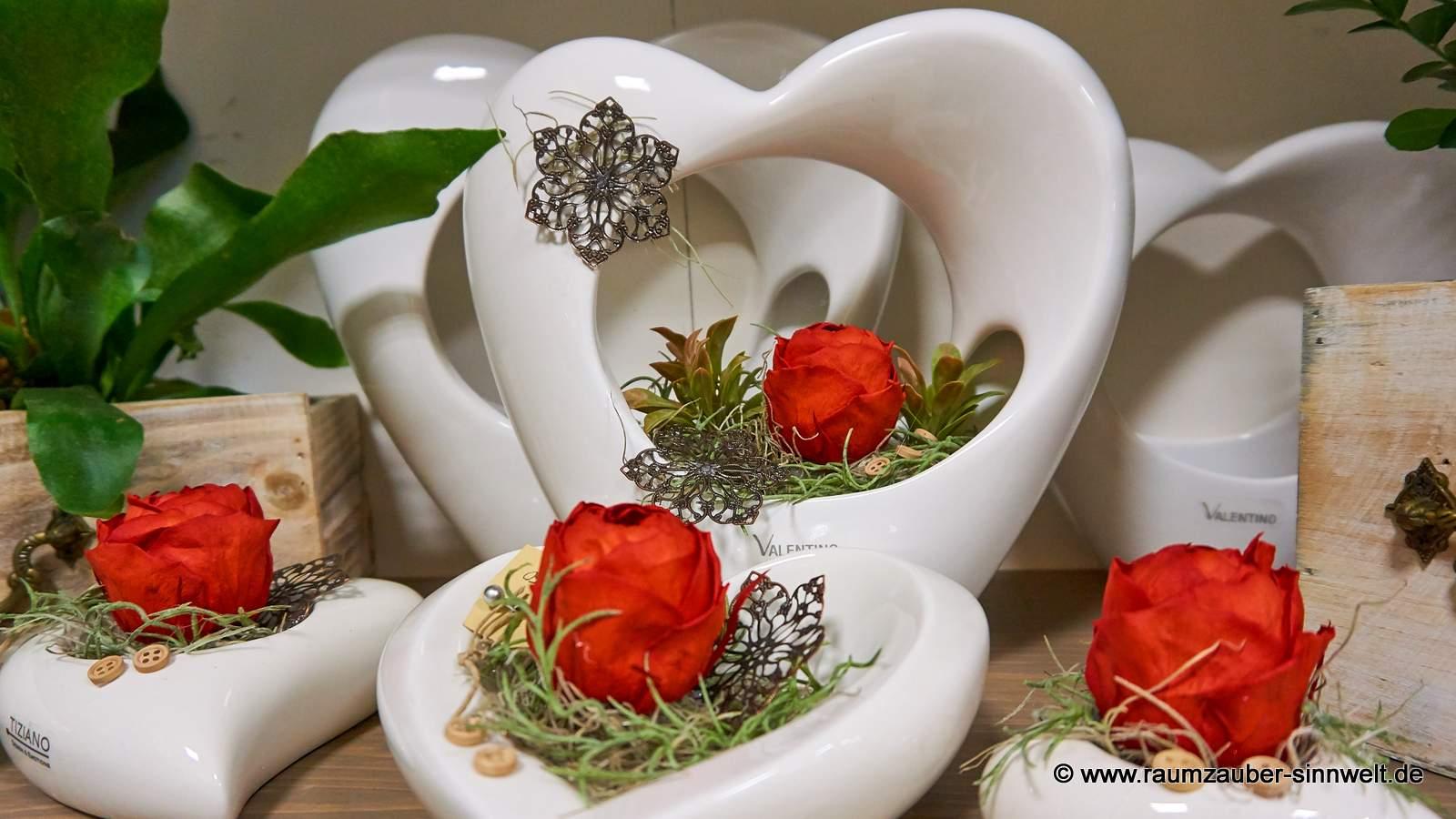 gefriergetrocknete Ranunkel-Rosen in TIZIANO-Keramik