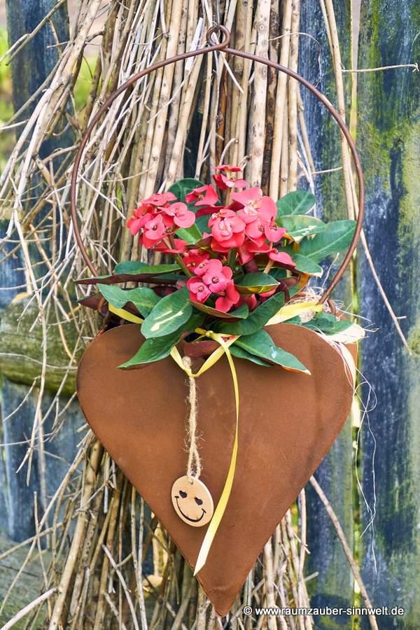 Gartendekoration Rostgefäß Herz