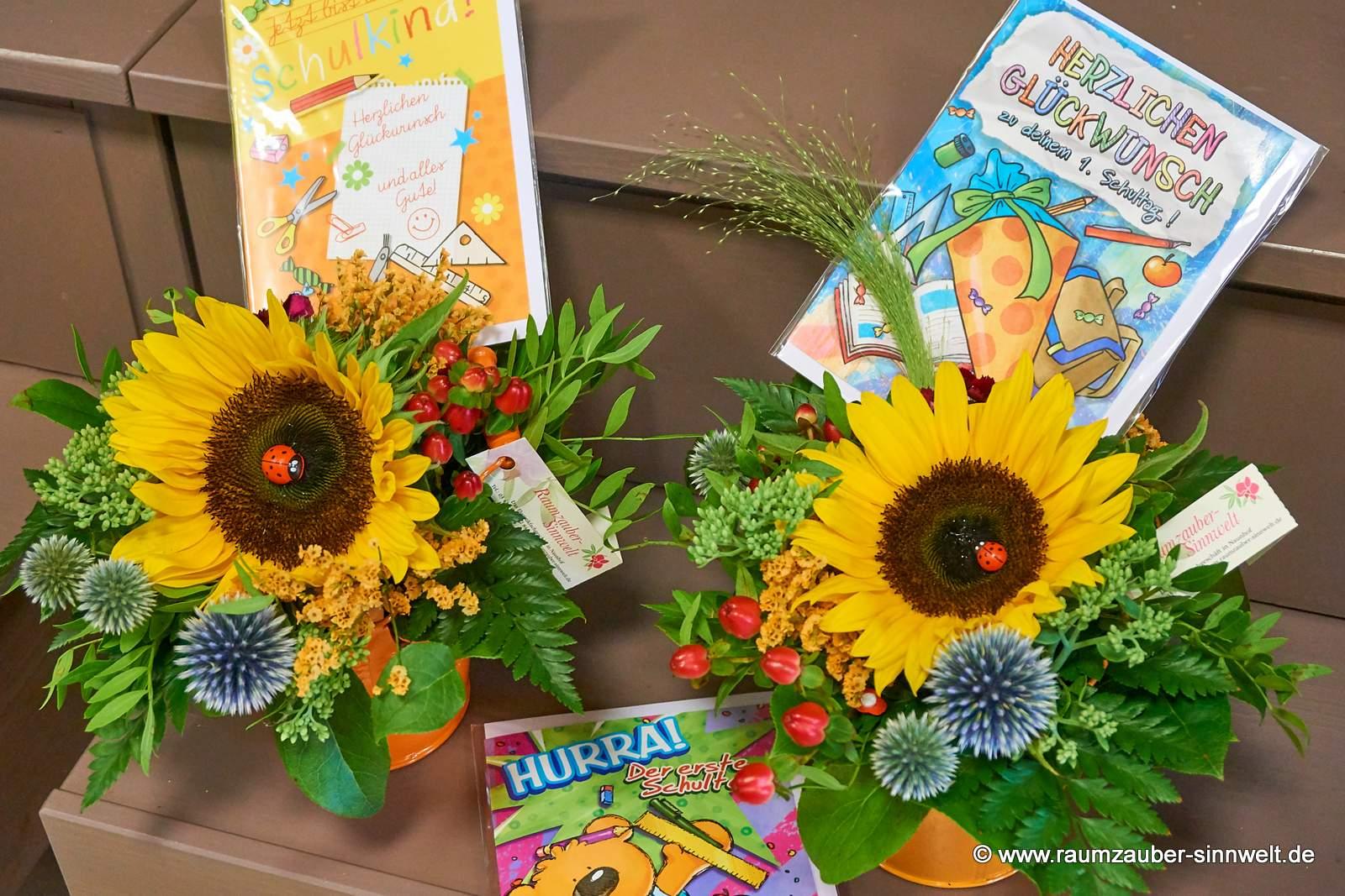Sonnenblumengesteck mit Einschulungskarte