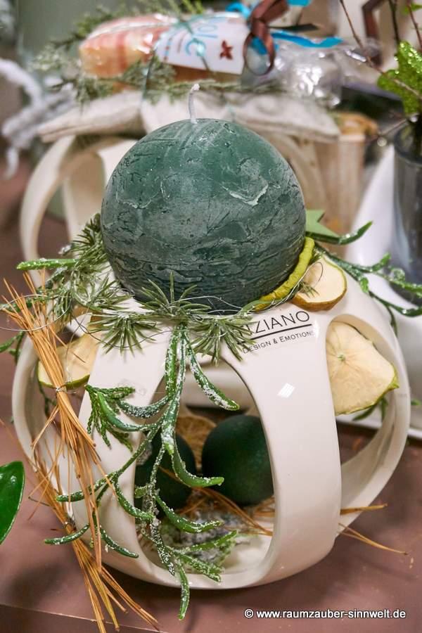 TIZIANO Duftlampe Gallio mit Kerze weihnachtlich dekoriert