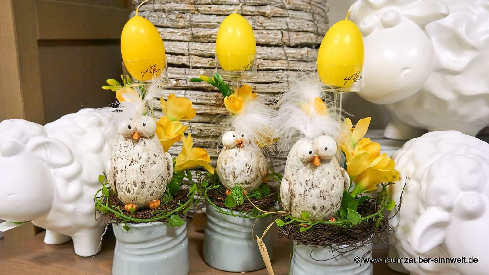 österlich dekorierte Oster-Hühner und Outdoor-Schafe Frida von formano