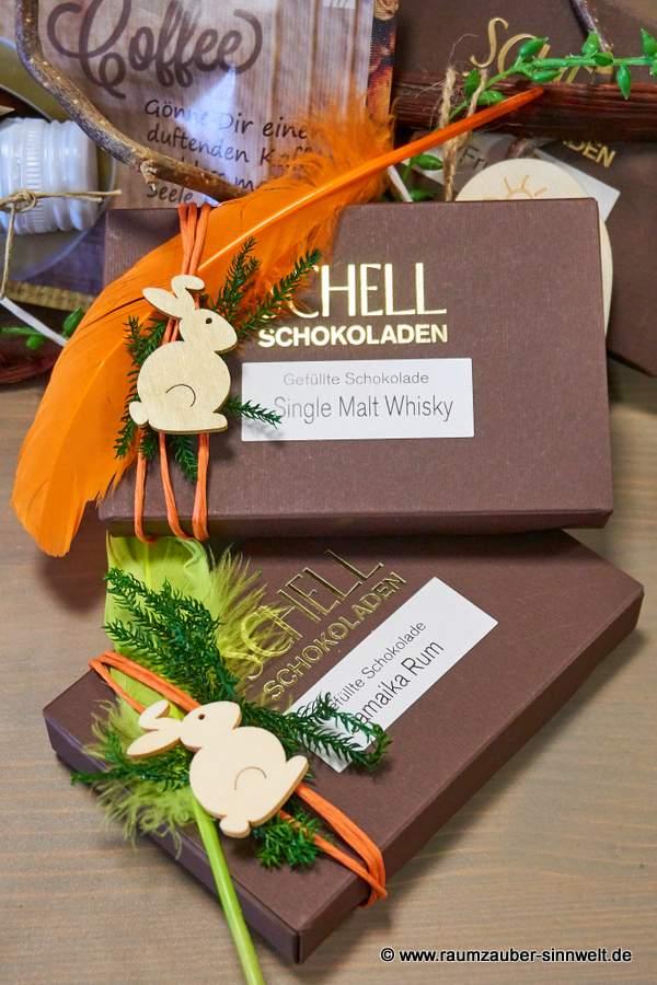 gefüllte SCHELL-Schokoladen österlich dekoriert
