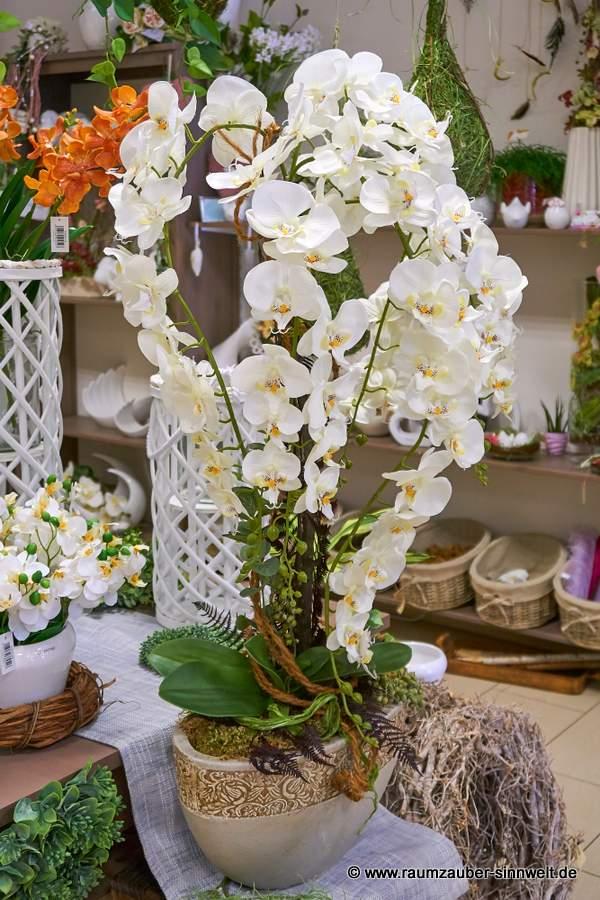 künstliche Orchideen-Dekoration in Keramik-Schale