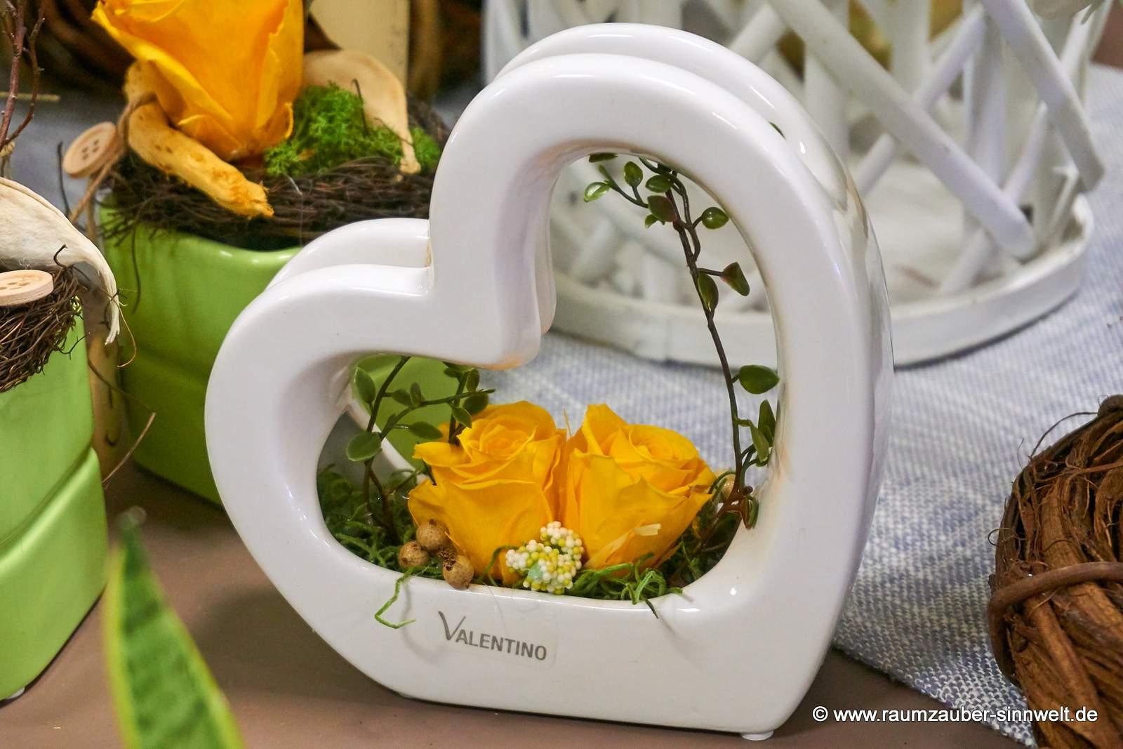 gefriergetrocknete Rosen in VALENTINO - Herz - Gefäß Arona